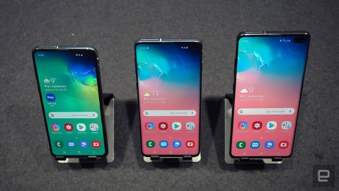 samsung galaxy s10e dep the nay, iphone xr con e dai hinh anh 13