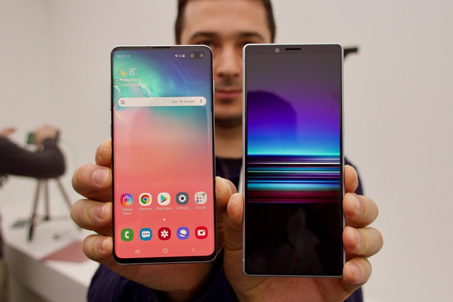 so gang galaxy s10+ va sony xperia 1 hinh anh 1