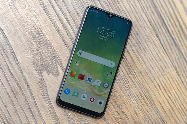 can canh chiec smartphone realme 3 voi man hinh giot suong hinh anh 6