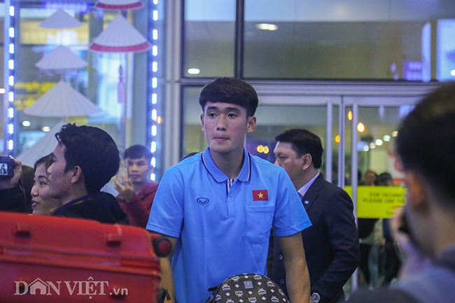 u23 viet nam ve que an tet trong vong tay chao don cua nguoi ham mo hinh anh 9