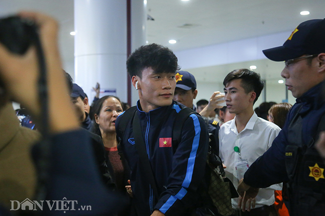 u23 viet nam ve que an tet trong vong tay chao don cua nguoi ham mo hinh anh 5
