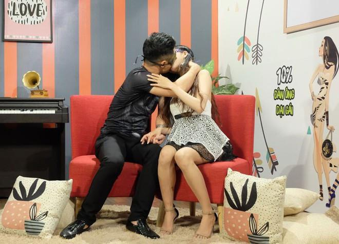 soc voi gameshow chieu canh phong the, dat cau hoi dung tuc phan cam hinh anh 11