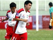 Clip: Lee Nguyen tung bi  & quot;chat chan & quot; nhu the nao o V.League?