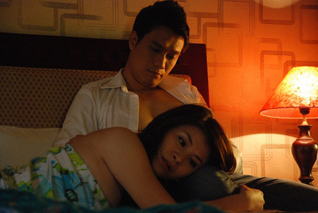 """canh """"nong"""" trong phim giong clip sex, viet anh len tieng hinh anh 4"""
