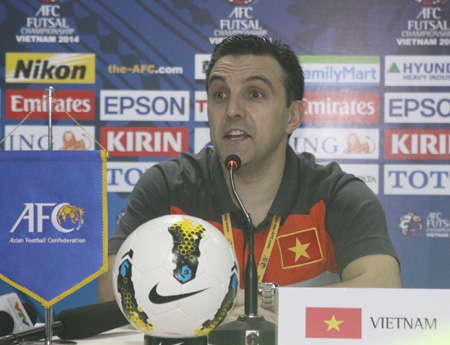 "hlv dtvn bruno formoso: ""futsal viet nam se tan cong top 4 chau a"" hinh anh 1"