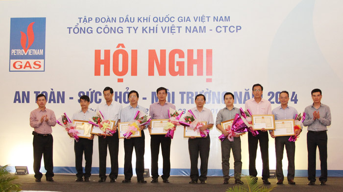 "pvgas to chuc hoi nghi ""an toan – suc khoe – moi truong"" hinh anh 3"