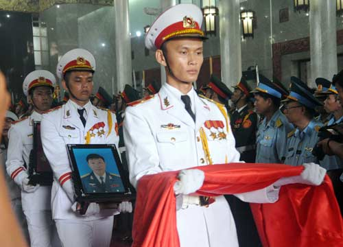 anh: xuc dong tien biet 2 phi cong su-22 ve noi yen nghi hinh anh 4