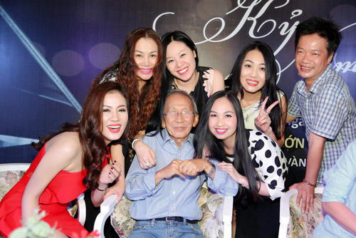"nguyen anh 9 khong du tien moi khanh ly hat ""show cuoi doi"" hinh anh 9"