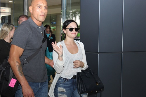 demi lovato tuoi roi trong vong vay fan viet hinh anh 3