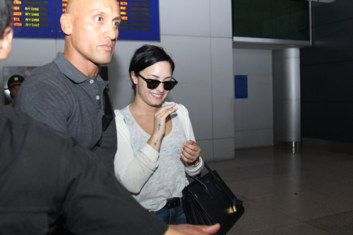 demi lovato tuoi roi trong vong vay fan viet hinh anh 7