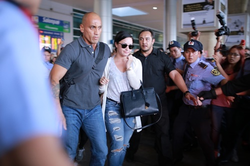 demi lovato tuoi roi trong vong vay fan viet hinh anh 5