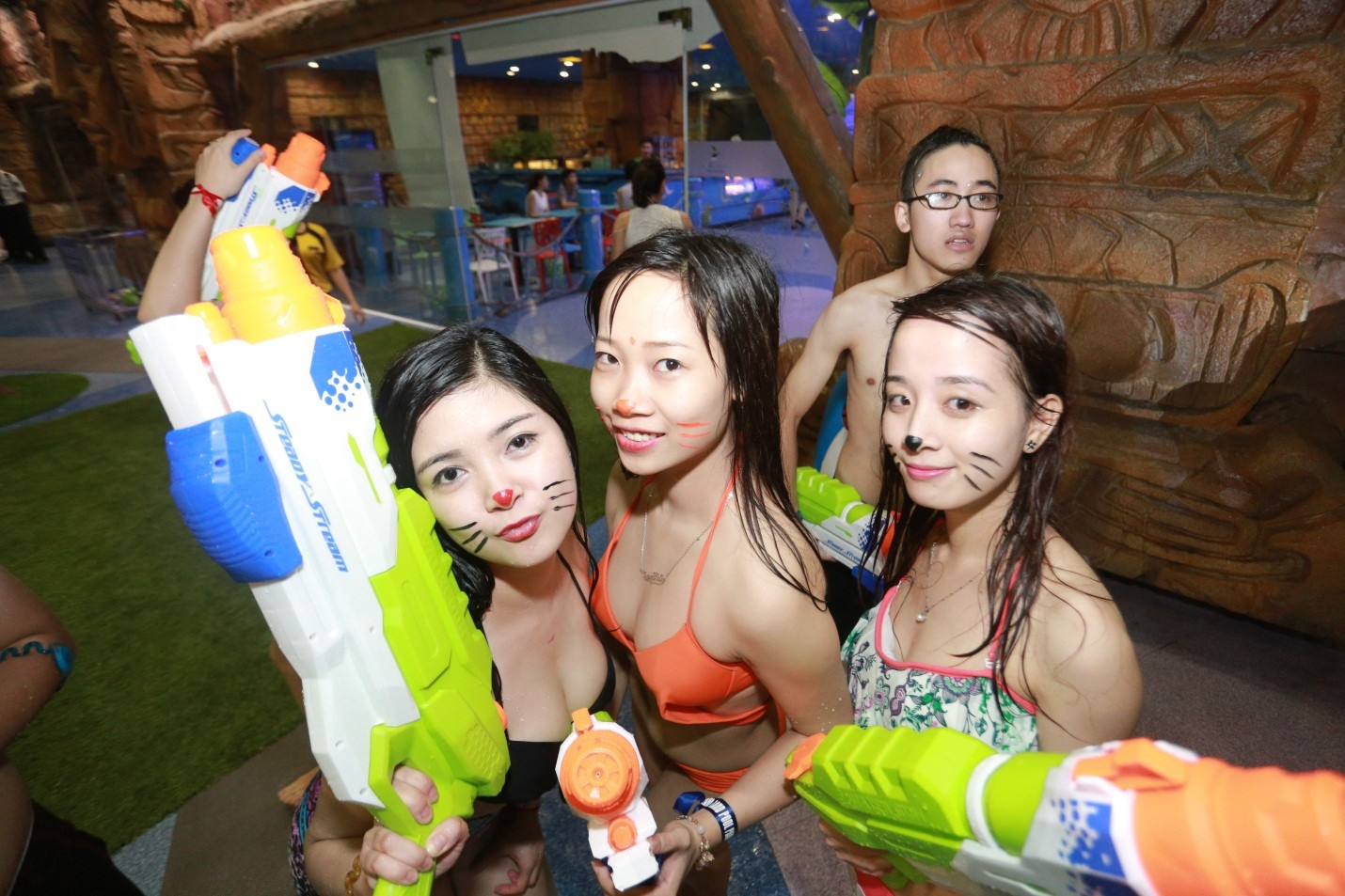 "ngoi sao the remix 2015 ""thuy chien"" tai vinpearliand water park hinh anh 3"