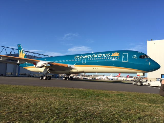 cung bay voi boeing 787-9 dreamliner va airbus a350-900 xwb cua vietnam airlines hinh anh 2