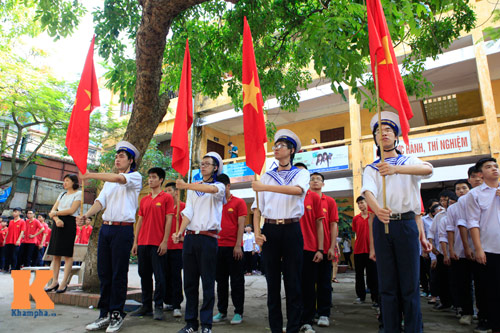 ha noi chan chinh hat quoc ca trong nghi le chao co hinh anh 1