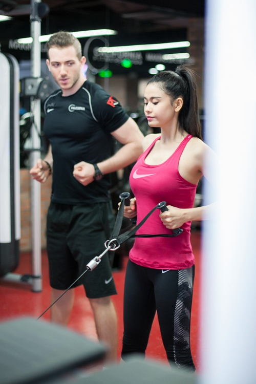 ngam truong quynh anh goi cam tap gym hinh anh 6