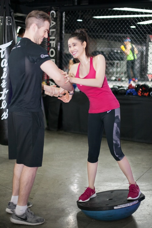 ngam truong quynh anh goi cam tap gym hinh anh 11