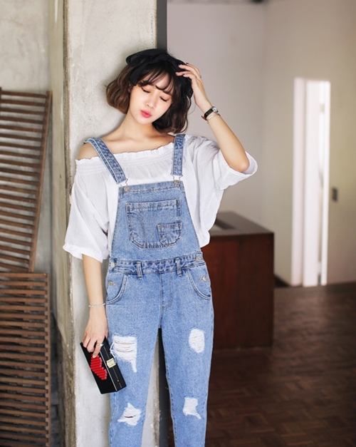 """co thu thuoc phien mang ten """"jeans rach"""" hinh anh 1"""
