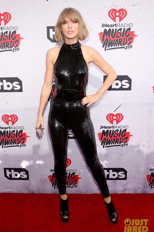 taylor swift mac dep nhat le trao giai iheartradio 2016 hinh anh 1