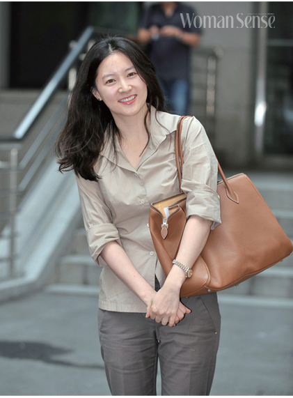 hau truong lee young ae am tham cuu song be nguoi viet hinh anh 6