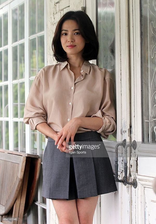 he nay chi can dien ao so mi xinh nhu song hye kyo hinh anh 10