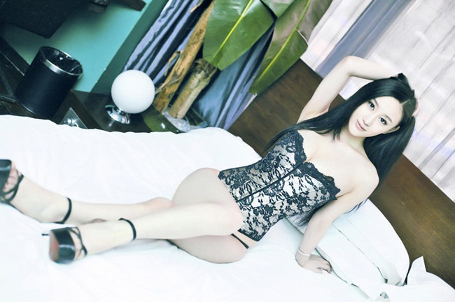 "hot girl nghe thuat dep ""kho cuong"" voi noi y hinh anh 10"