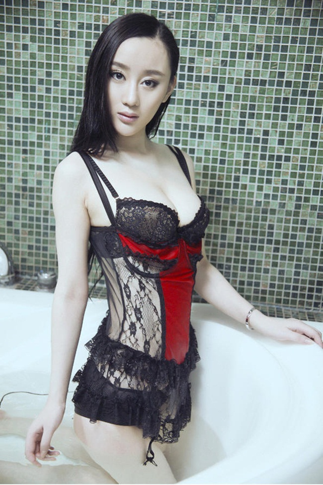 "hot girl nghe thuat dep ""kho cuong"" voi noi y hinh anh 15"