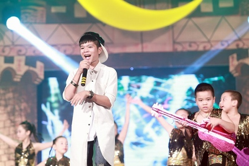 "3 quan quan the voice kids ""lot xac"" gay ngo ngang hinh anh 2"