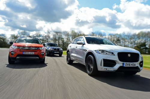 so ke jaguar f-pace, land rover discovery sport va bmw x3 hinh anh 1