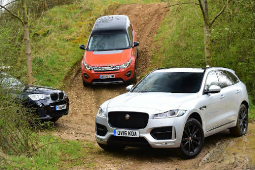 so ke jaguar f-pace, land rover discovery sport va bmw x3 hinh anh 2