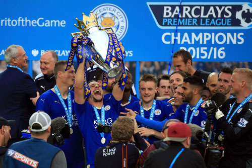 chum anh leicester vo oa trong ngay dang quang o premier league hinh anh 10