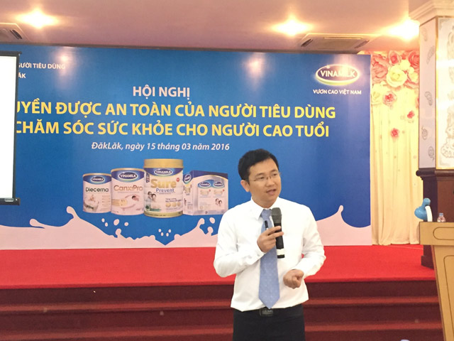 hon 1.300 nguoi cao tuoi duoc cham soc suc khoe hinh anh 4