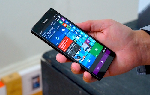 windows 10 mobile co tinh nang go 2 lan de mo man hinh hinh anh 1