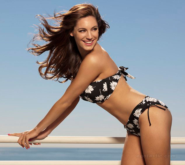 kelly brook dep hoan hao voi khuon nguc 99cm hinh anh 5