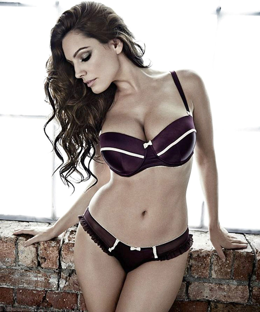 kelly brook dep hoan hao voi khuon nguc 99cm hinh anh 8