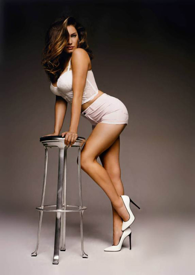 kelly brook dep hoan hao voi khuon nguc 99cm hinh anh 11
