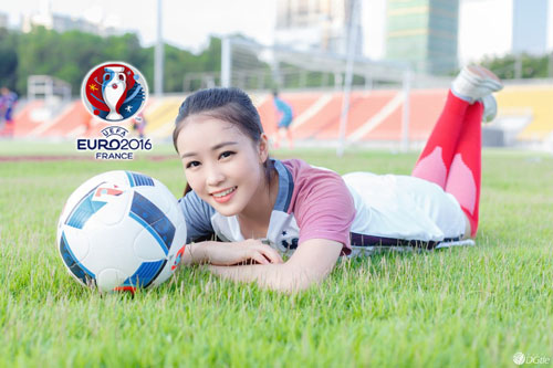 hot girl trung quoc ung ho dt phap vo dich euro 2016 hinh anh 1