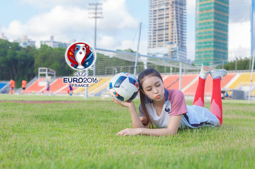 hot girl trung quoc ung ho dt phap vo dich euro 2016 hinh anh 2