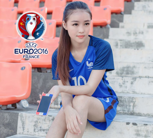 hot girl trung quoc ung ho dt phap vo dich euro 2016 hinh anh 3