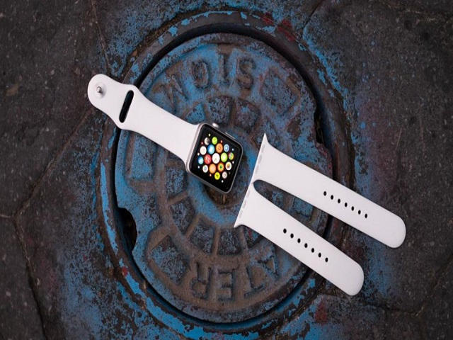 apple watch 2017 co the duoc trang bi man hinh micro led hinh anh 1