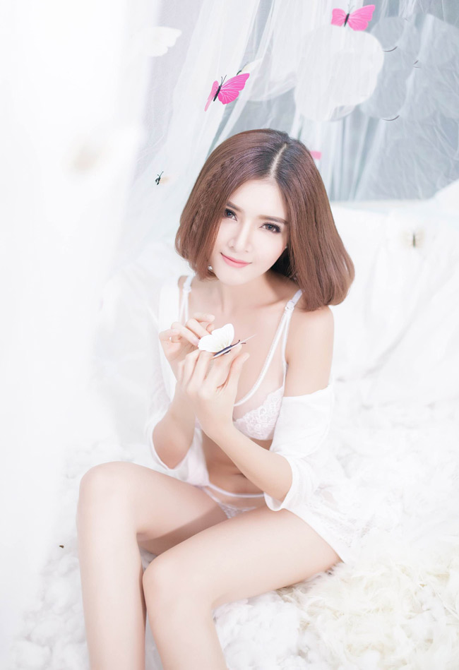 ngam bo anh day goi cam cua hot girl lilly luta hinh anh 4