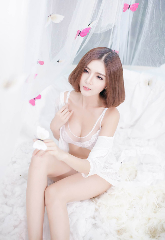 ngam bo anh day goi cam cua hot girl lilly luta hinh anh 2