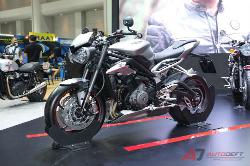 2017 triumph street triple rs bao gio ve viet nam? hinh anh 2
