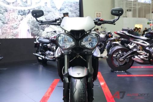 2017 triumph street triple rs bao gio ve viet nam? hinh anh 1