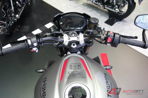 2017 triumph street triple rs bao gio ve viet nam? hinh anh 4