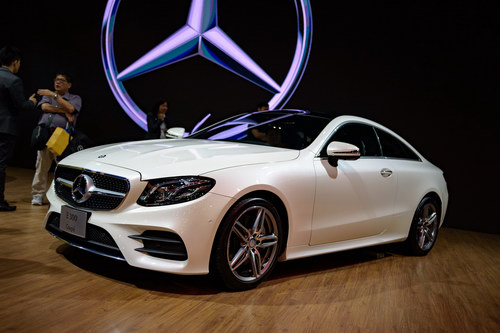 mercedes e-class coupe gia 2,6 ty dong dep me hoac hinh anh 2