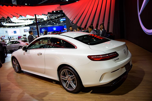 mercedes e-class coupe gia 2,6 ty dong dep me hoac hinh anh 4