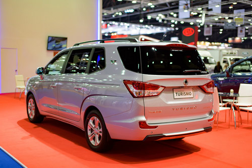 ssangyong stavic turismo: xe 9 cho han quoc the he moi hinh anh 5