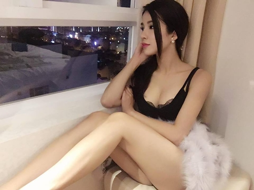 nong ruc voi my nu co dang ngoi sexy nhat showbiz viet hinh anh 1