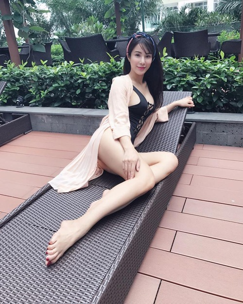 nong ruc voi my nu co dang ngoi sexy nhat showbiz viet hinh anh 7