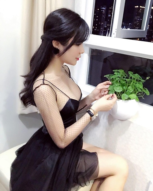 nong ruc voi my nu co dang ngoi sexy nhat showbiz viet hinh anh 9